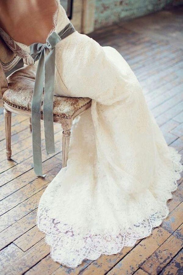 Backless wedding dress with velvet belt