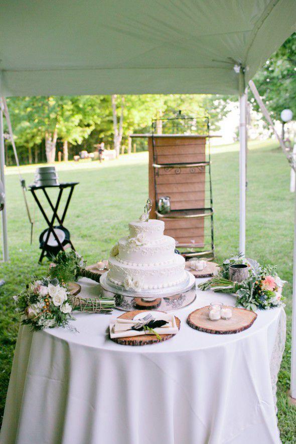 rustic wedding sweet table and wedding cake