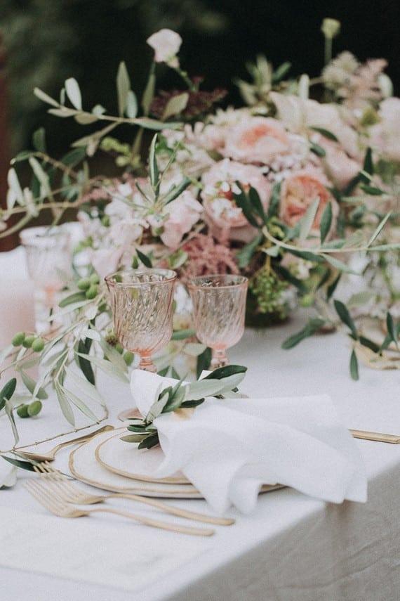 Villa Catreglio Tuscany Wedding Table Scope Roses