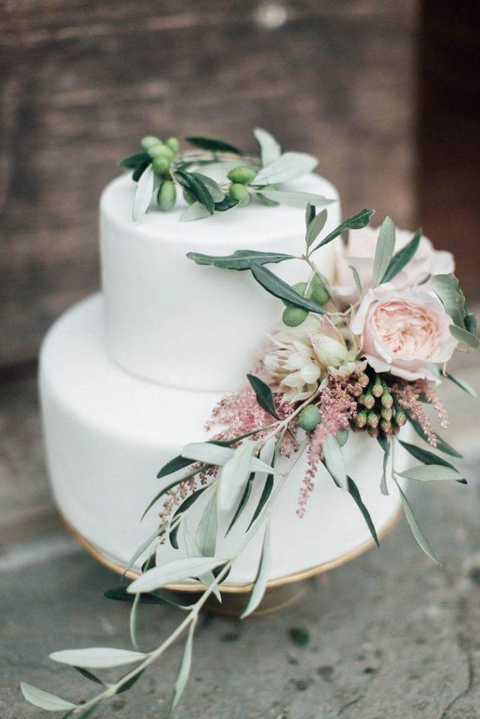 Villa Catureglio Tuscany Wedding Cake
