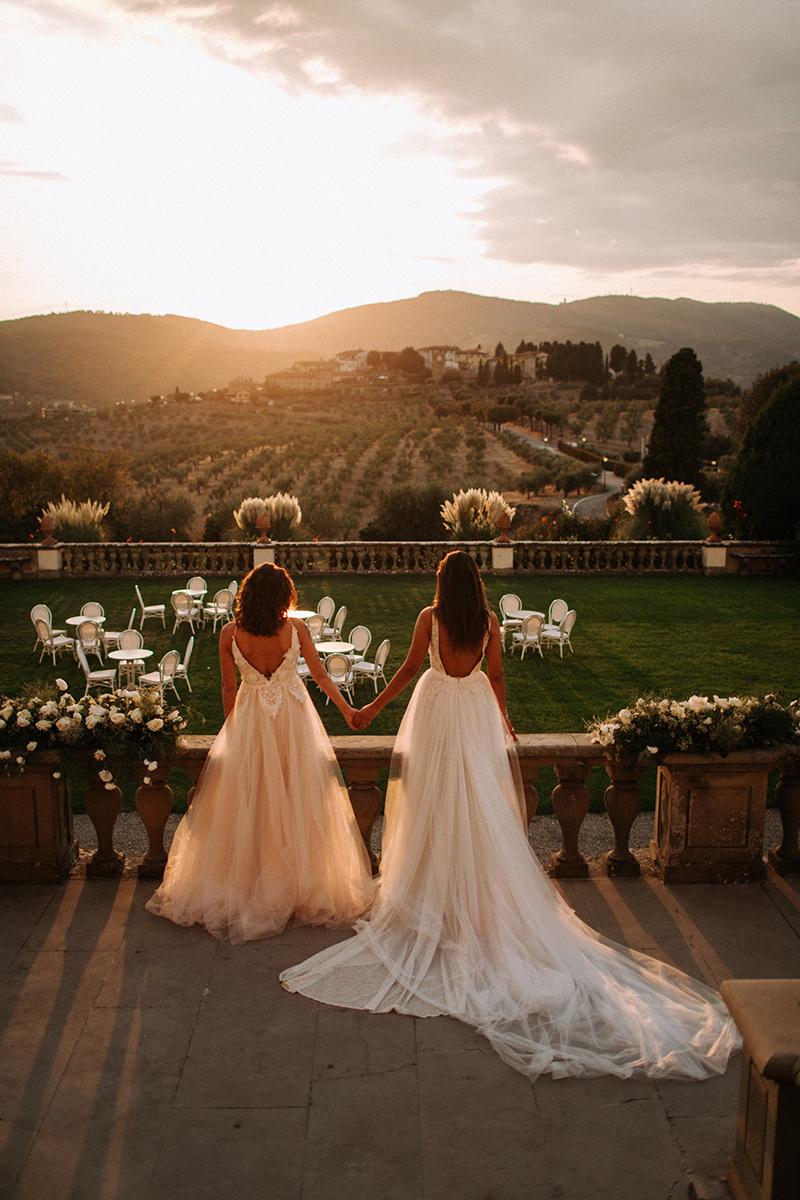 2 brides at Villa Medicea romantik hochzeitslocation