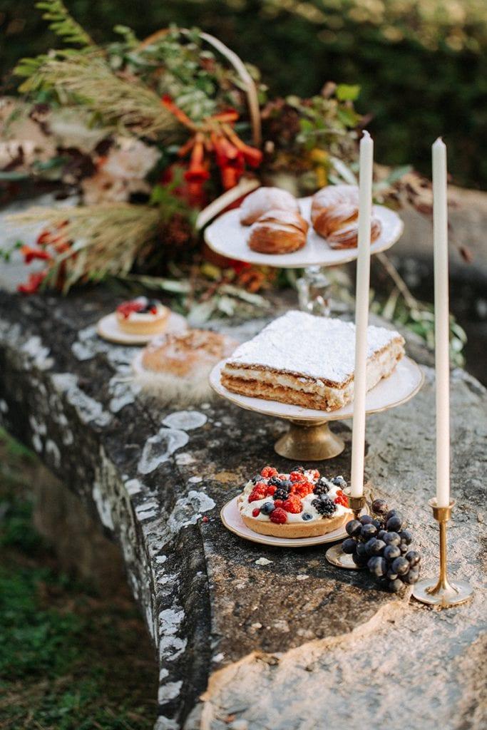 2 brides toskana wedding sweet table