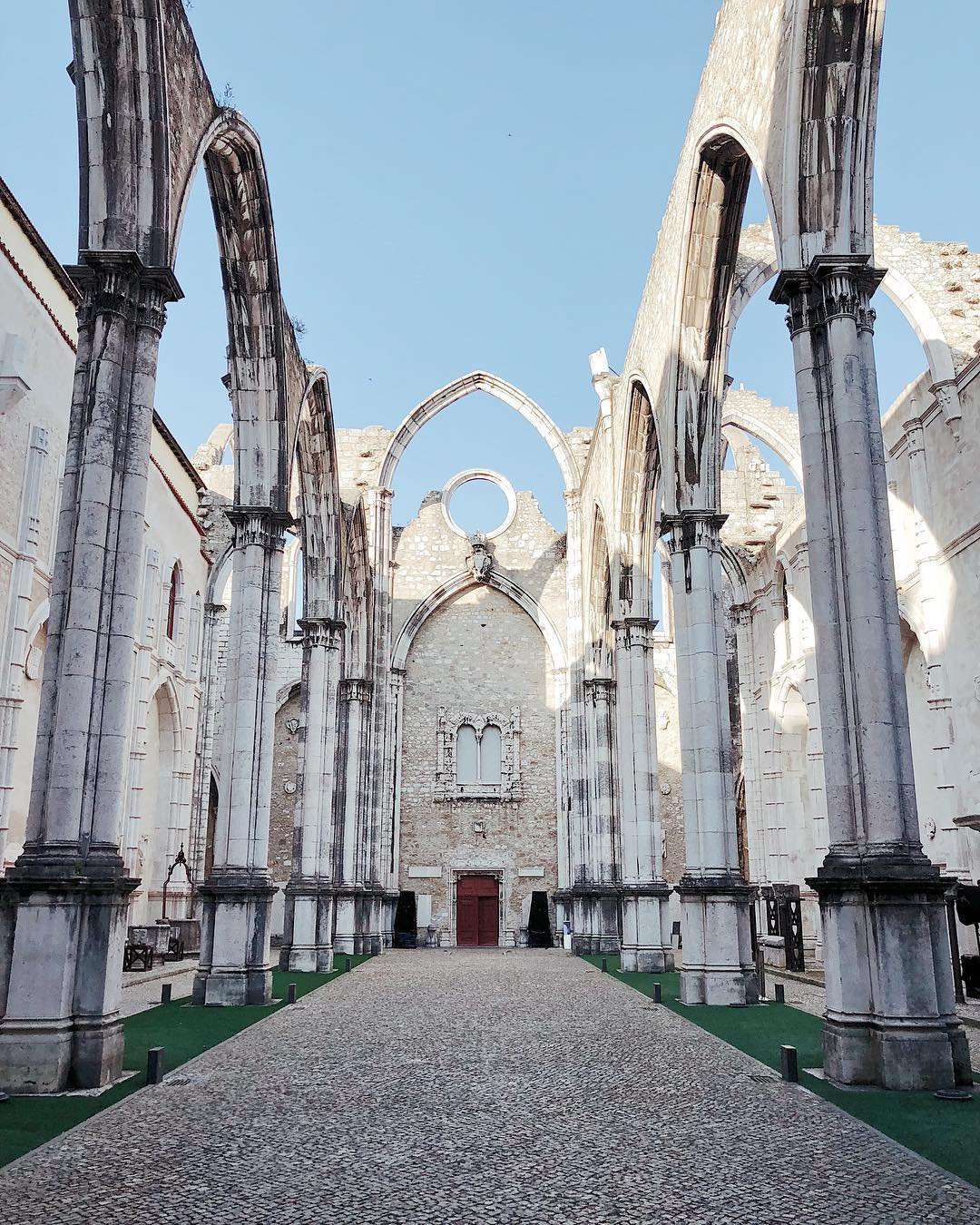 destination wedding portugal church ruins