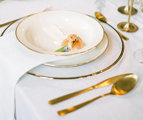 Magnolias On Silk Schloss Hemhofen Wedding Table Decoration Detail
