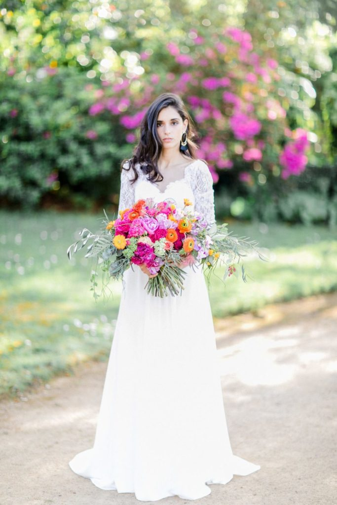 bridal dress pureza mello breyner with a beautiful colourful bridal bouquet, hochzeitskleid mit brautstrauß