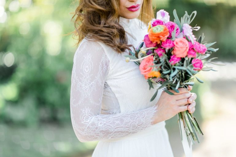 bridal dress pureza mello breyner, hochzeitskleid inspiration mit bridal bouquets