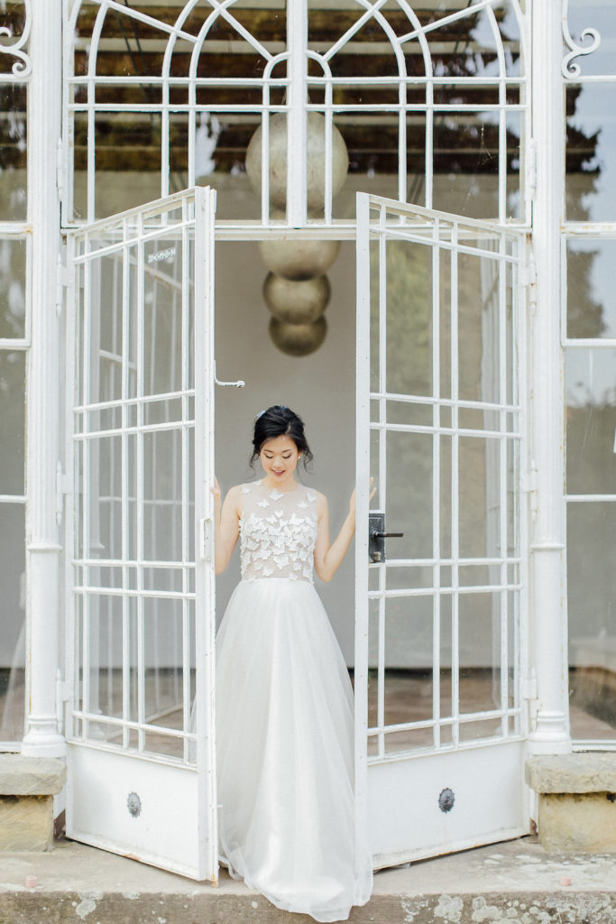 wedding in a greenhouse, romantic wedding