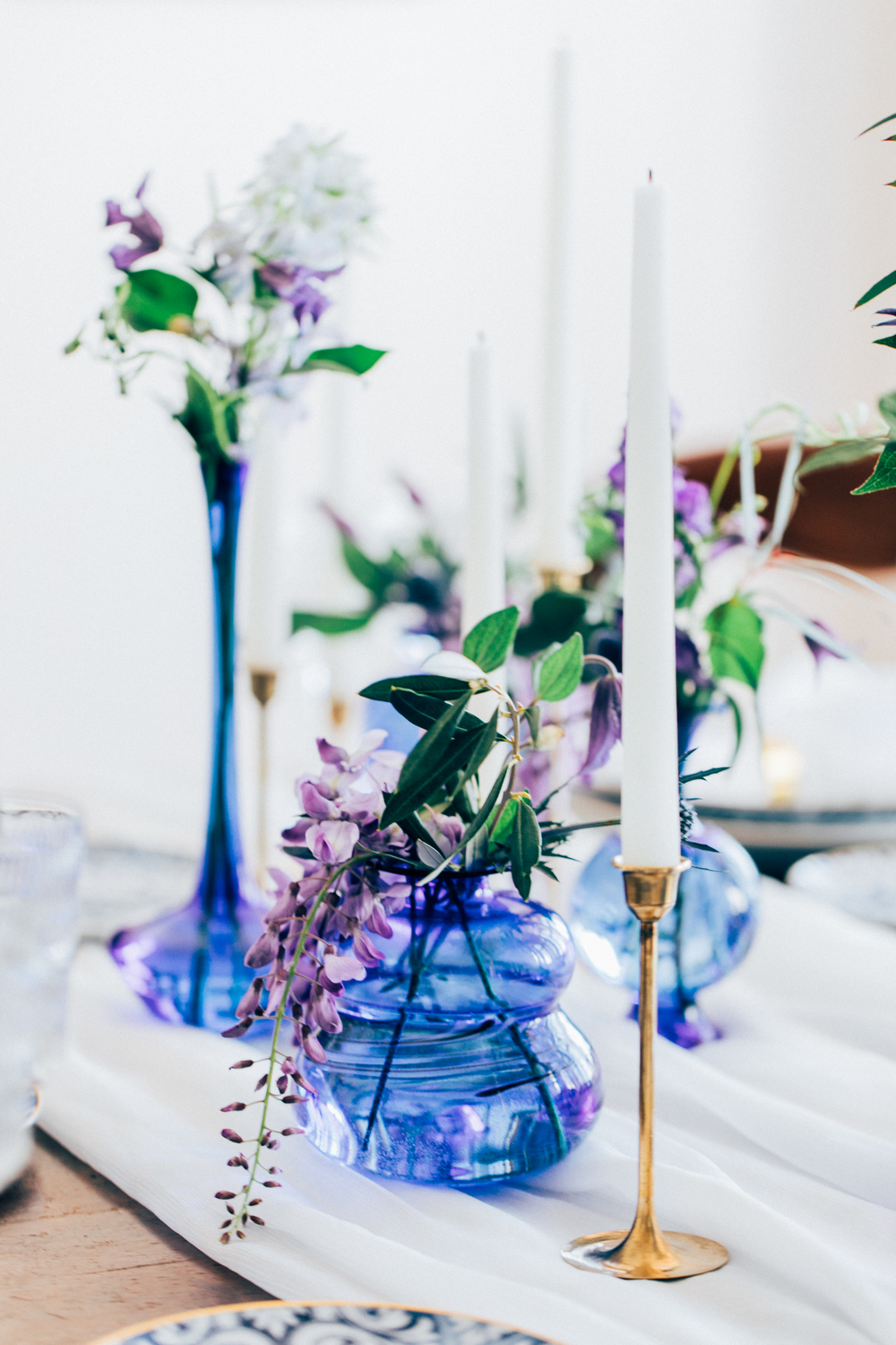 blue glass vessels, blue and lilac wedding color