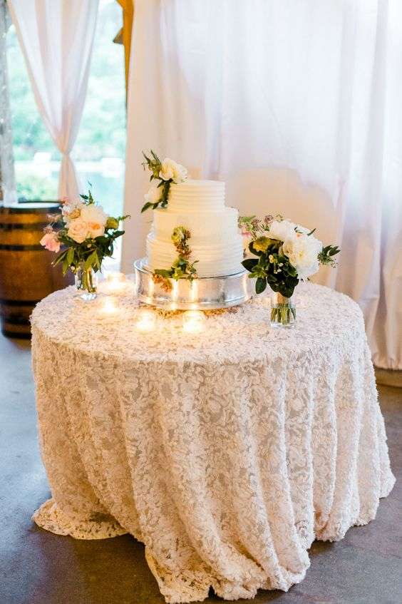 lace table cloth, wedding table, white lace