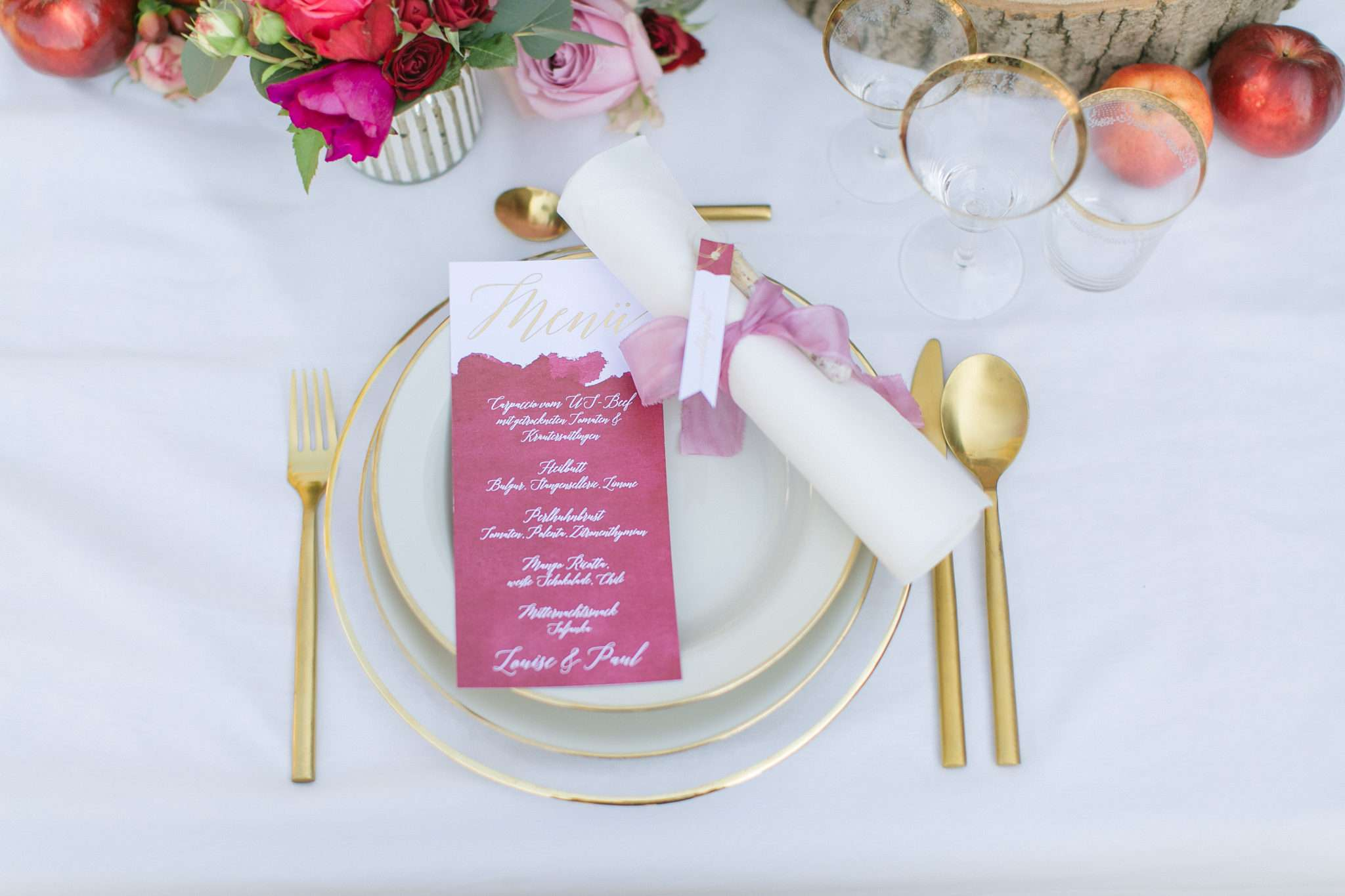 pink wedding inspiration, wedding table in pink and gold