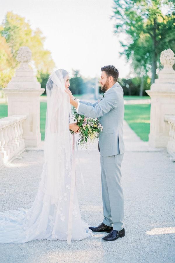 bride and groom, wedding day, wedding ceremony, wedding venue in provence