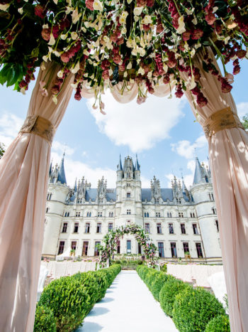 chateau challain, fairytale wedding, wedding in france, destination wedding france