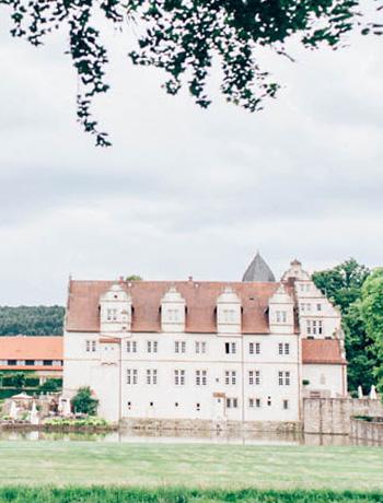 german-wedding-location-castle-muenchhausen