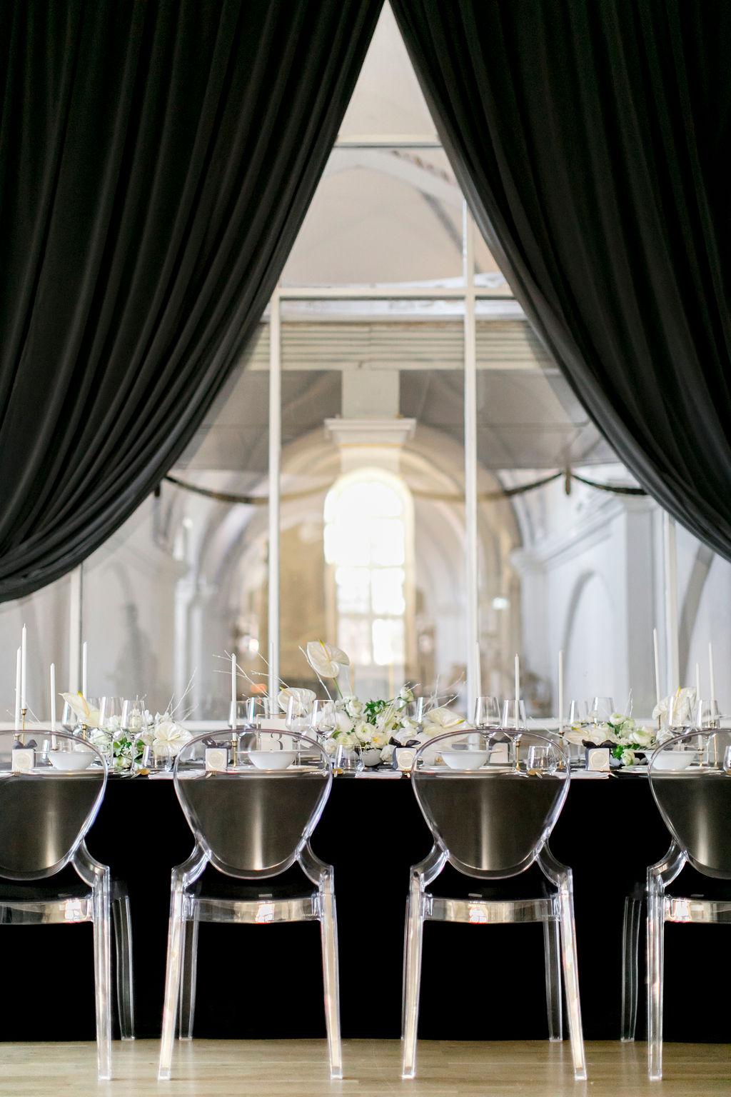 black wedding color, black and white wedding, elegant wedding, table decoration for a wedding